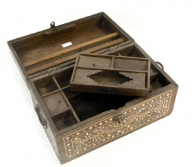 Old India LALIT Solid wood chest, Antique